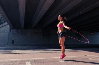 Тренировки со скакалкой. Как прыгать на скакалке, чтобы похудеть?