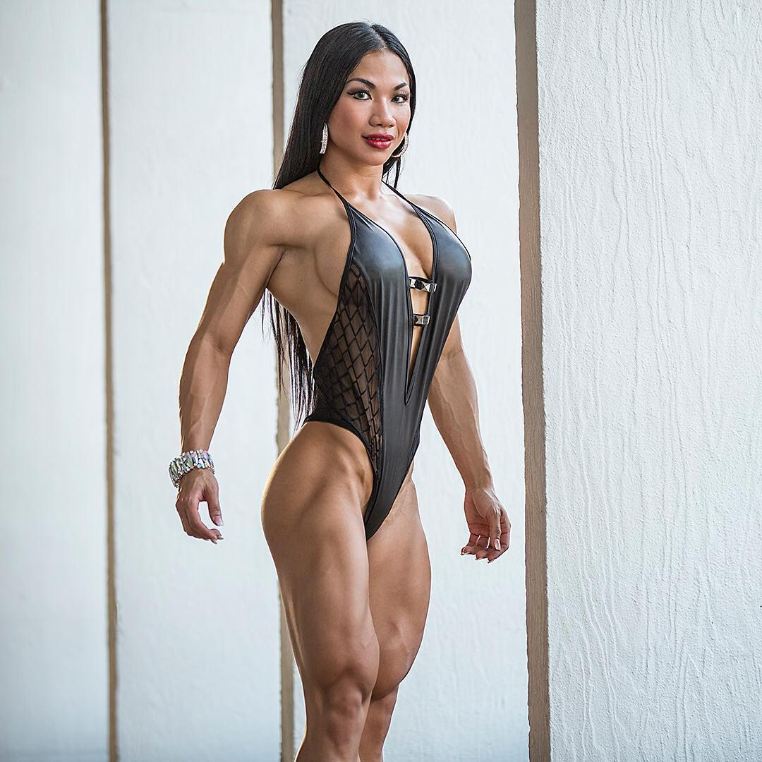 woman-with-great-body-fucks