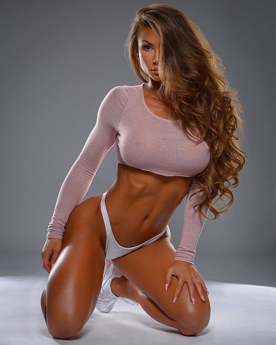 Hot nud fitness women bikini — img 6