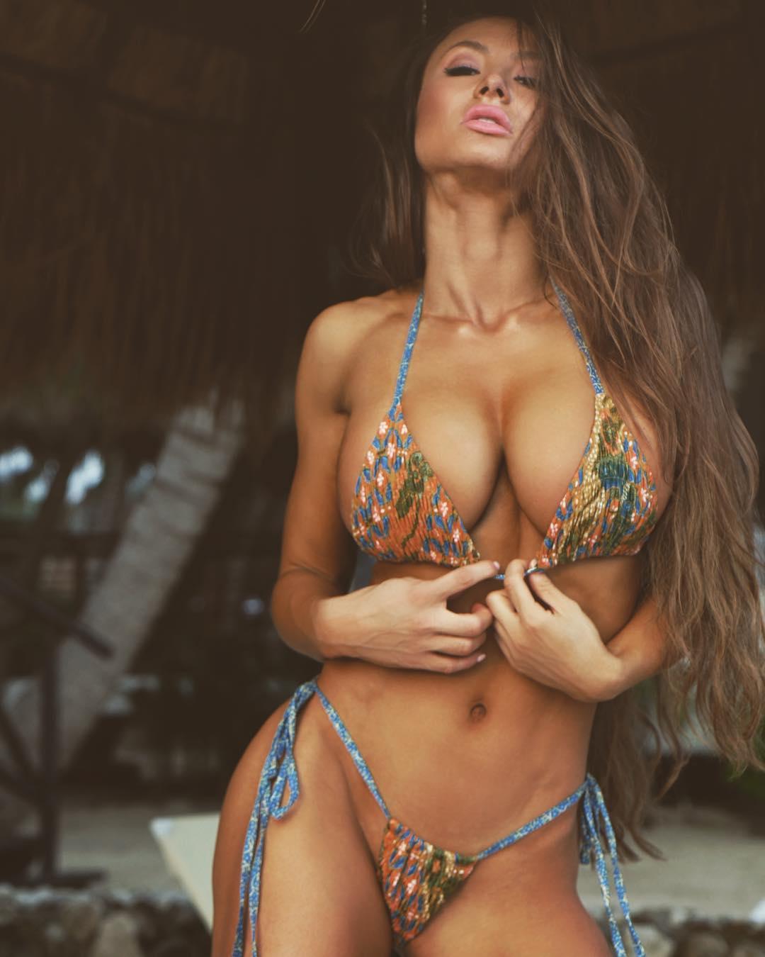 Elizabeth alderfer naked